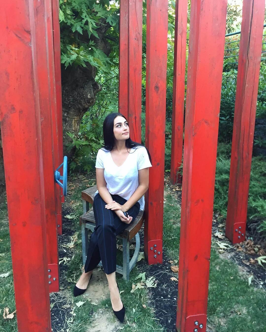 Esra Bilgic best photo