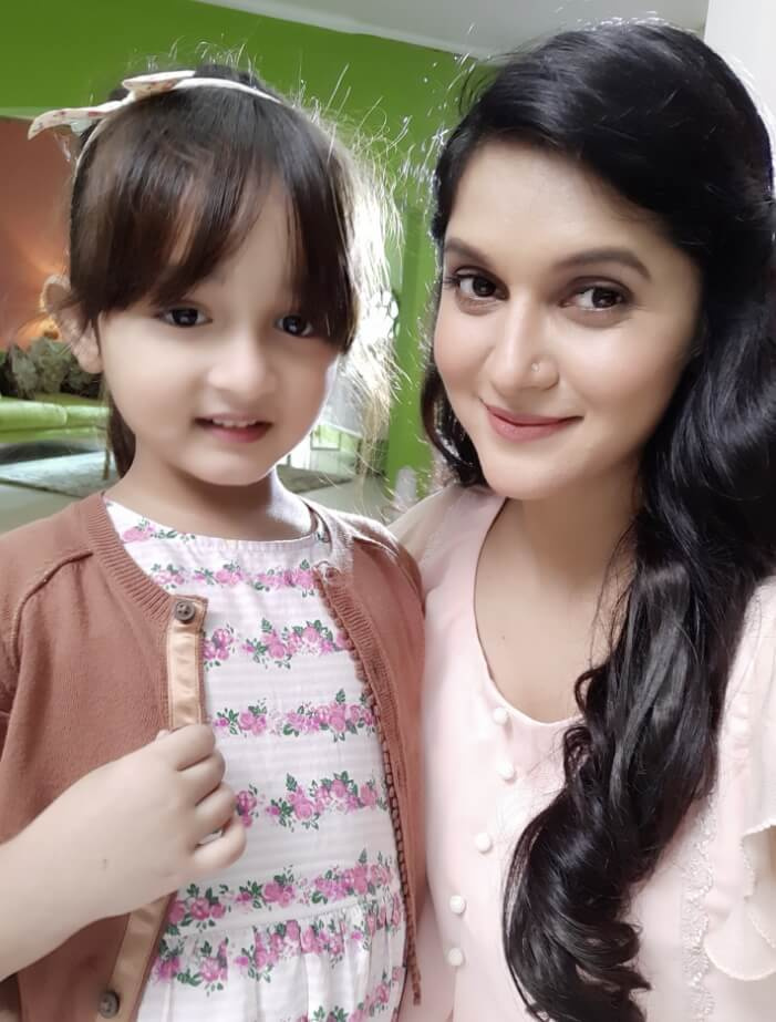 Mithila With her daughter