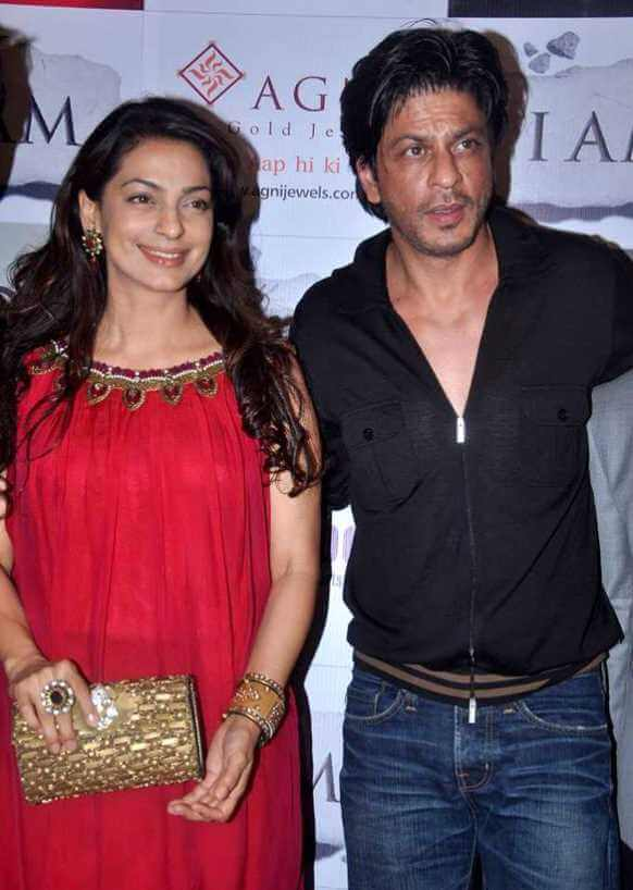 Shah Rukh Khan with Juhi Chawla
