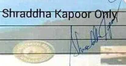 Shraddha Kapoor signature