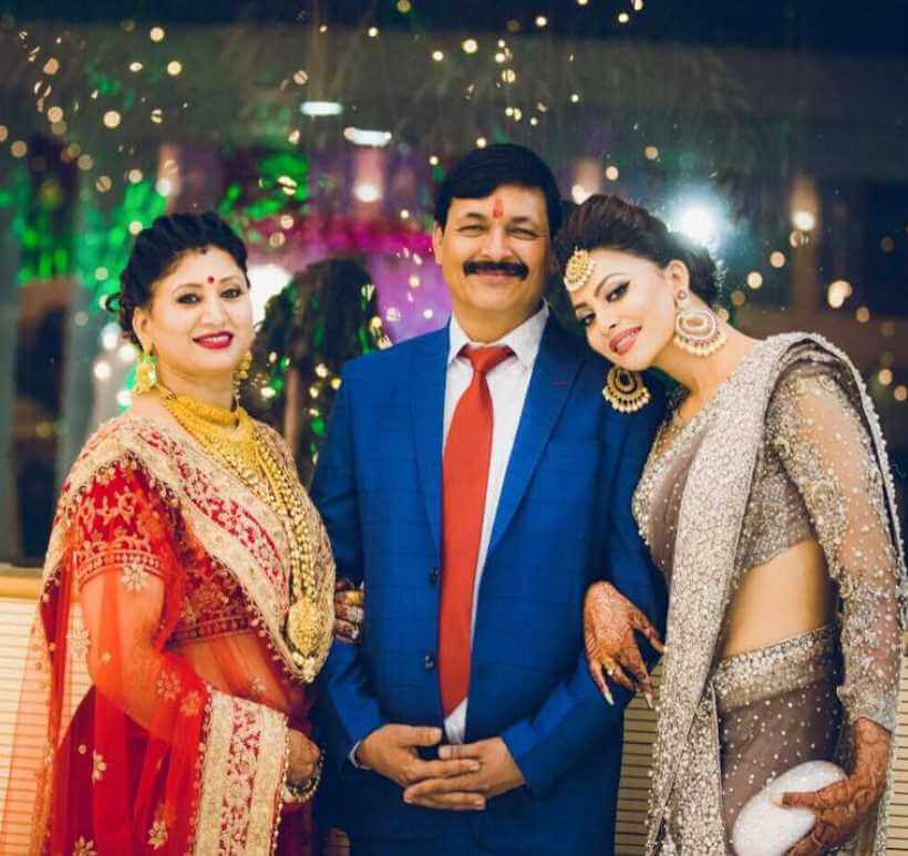 Urvashi Rautela With her Father & Mother