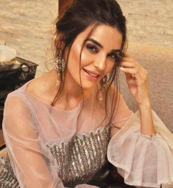 Sadia Khan Selfie