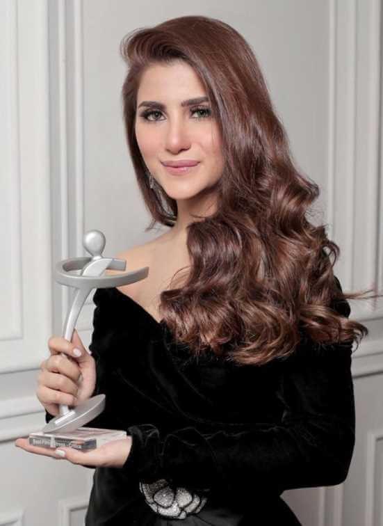 Sohai Ali Abro with awards Photo