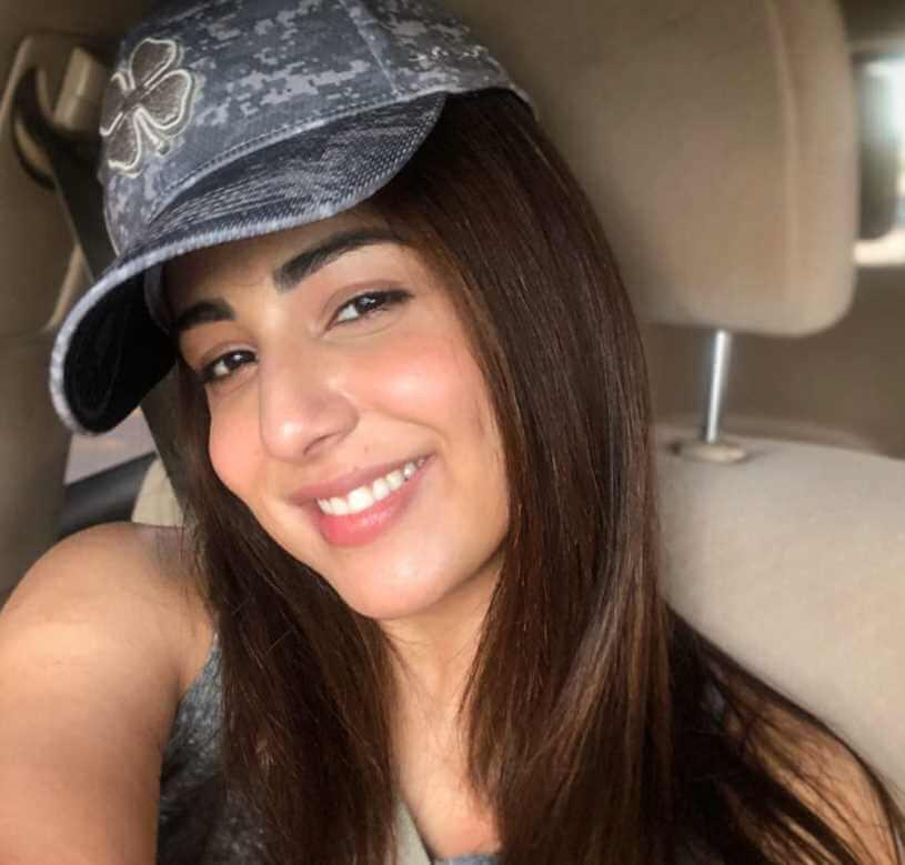 Ushna Shah Selfie