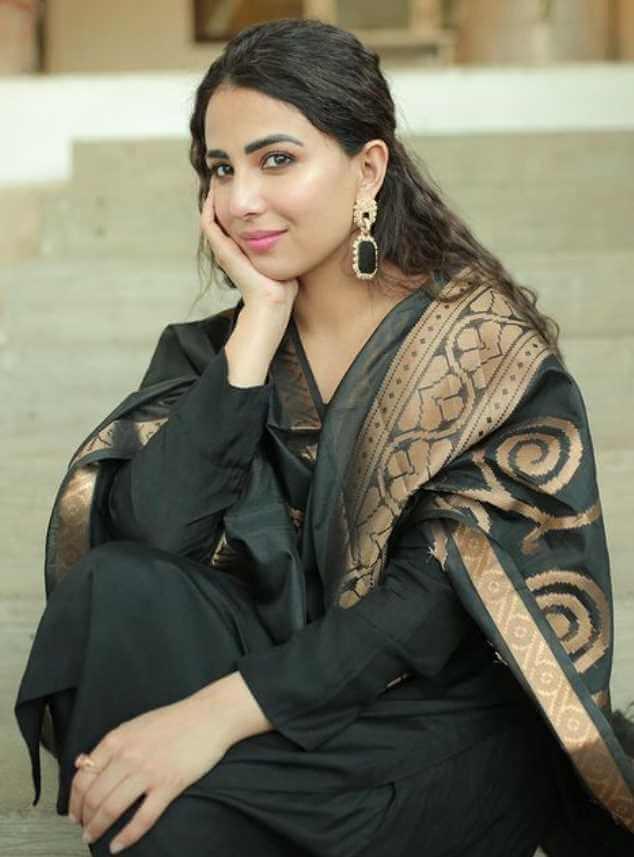 Ushna Shah with Black Dress Photo