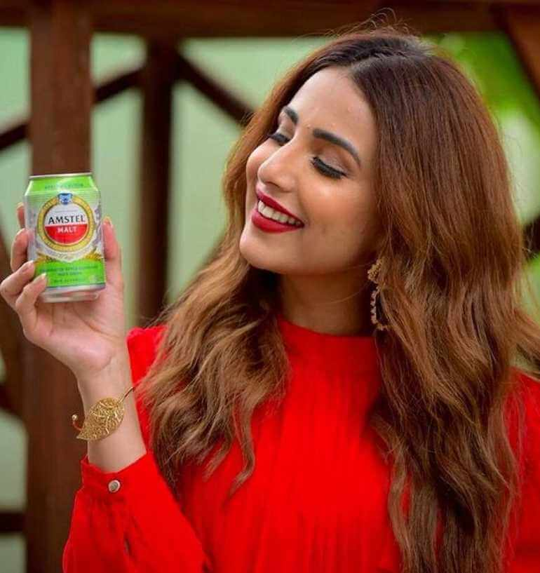Ushna Shah with commercials Ad.