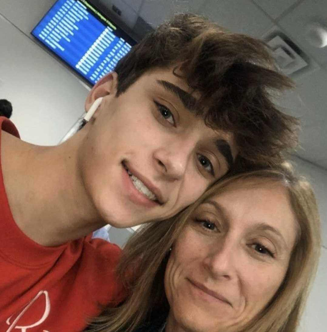 Josh Richards with his Mothers Photo