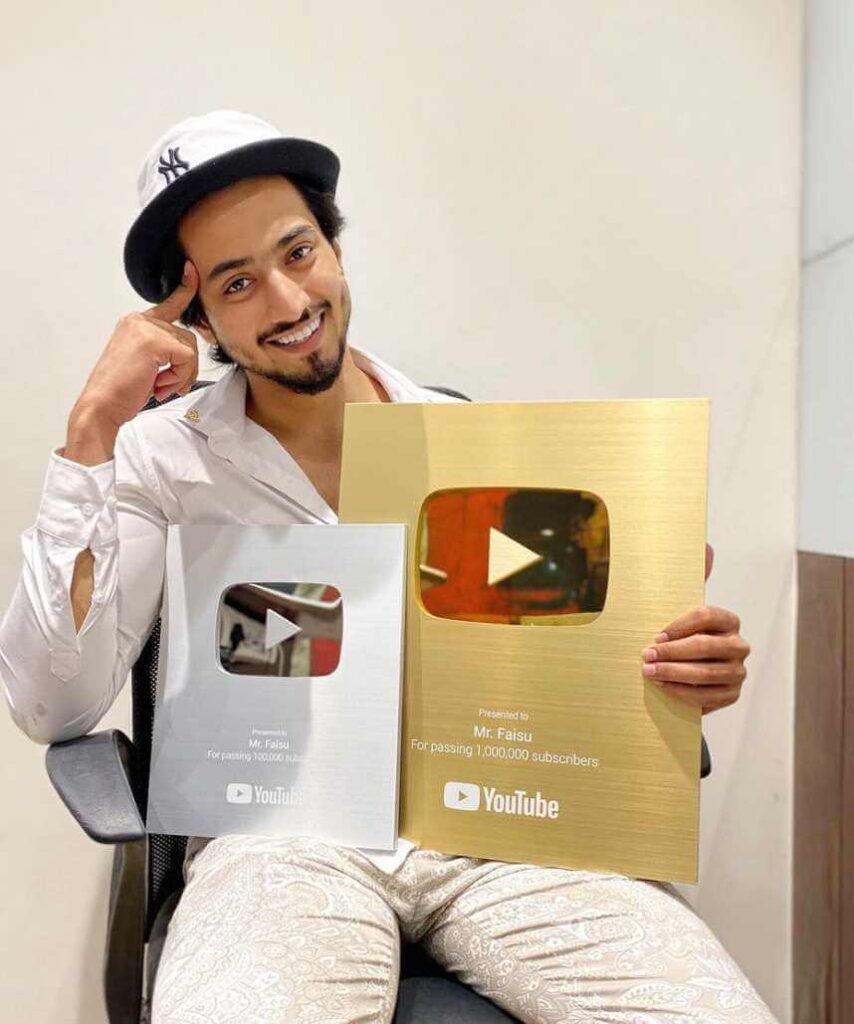 Mr. Faisu with YouTube Awards Pic