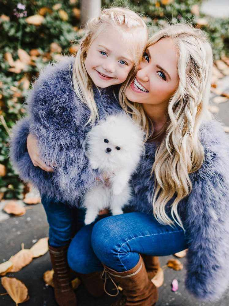 Savannah LaBrant with her Daughter & Dog Photo