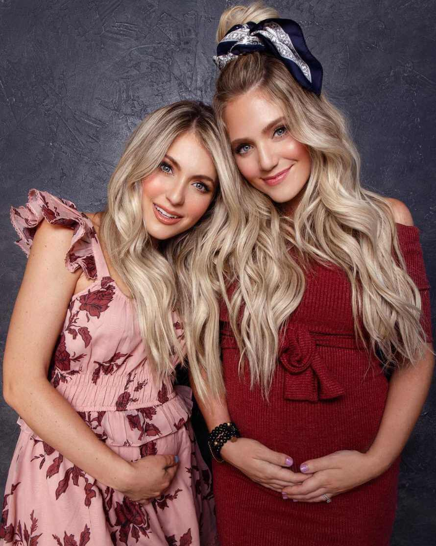 Savannah LaBrant with her Sister Photo