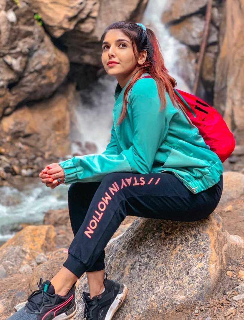 Ashi Khanna Pictures