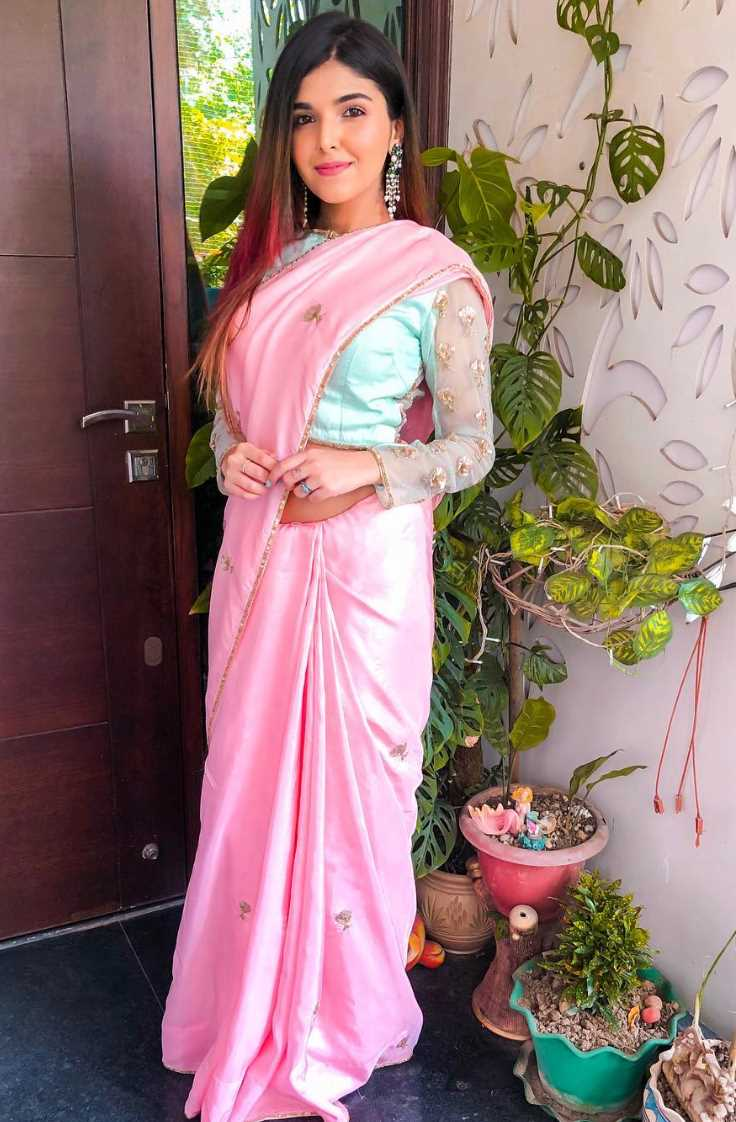 Ashi Khanna Saree Photo