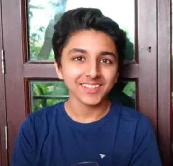 Ashi Khanna's Brother's Photo